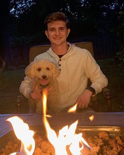 Brandon - Pet Sitter Dog Walker